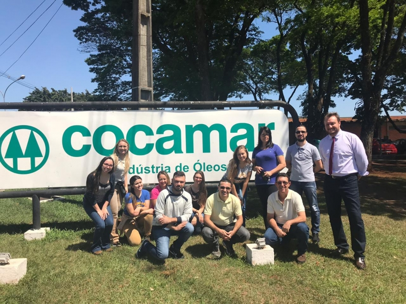 Alunos da UniFCV conhecem a Cocamar em visita técnica
