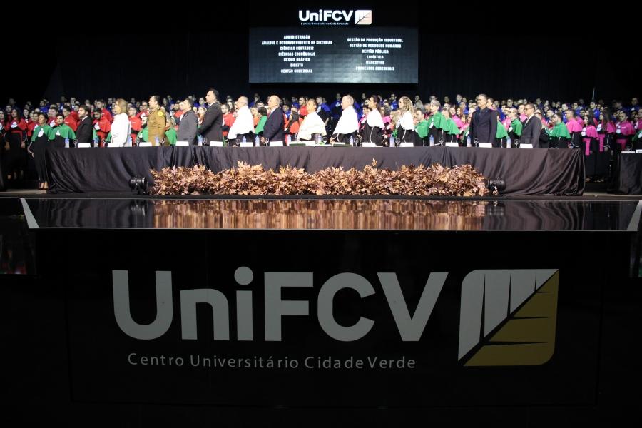 Emoções marcam a 23ª Colação de Grau da UniFCV