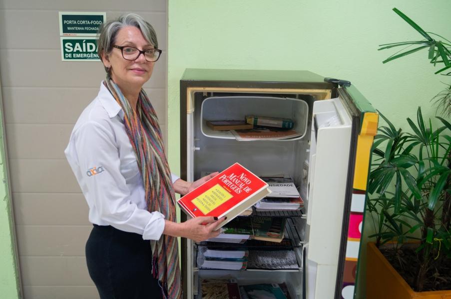 Trote Solidário visa arrecadar livros para Geladeira Literária