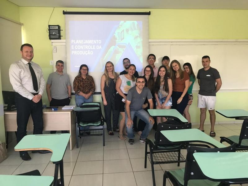 Alunos da pós-graduação de Produção Industrial contam com aula especial sobre Planejamento e Controle da Produção