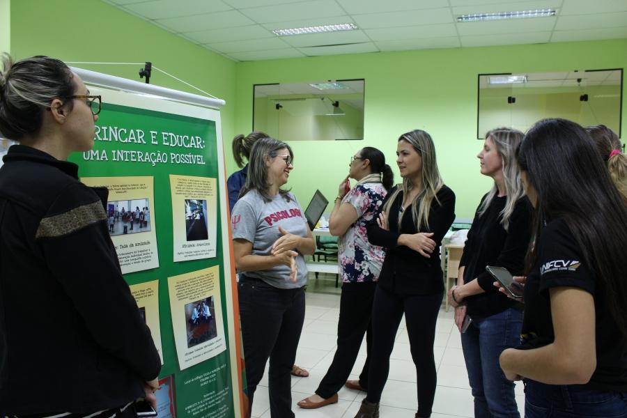 I Mostra de Estágio Básico dos alunos de Psicologia tem como tema Observação e Intervenção em Grupo