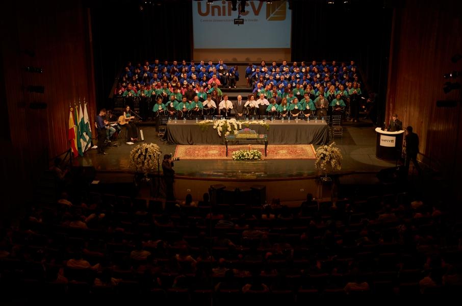 UniFCV realiza 21ª Colação de Grau