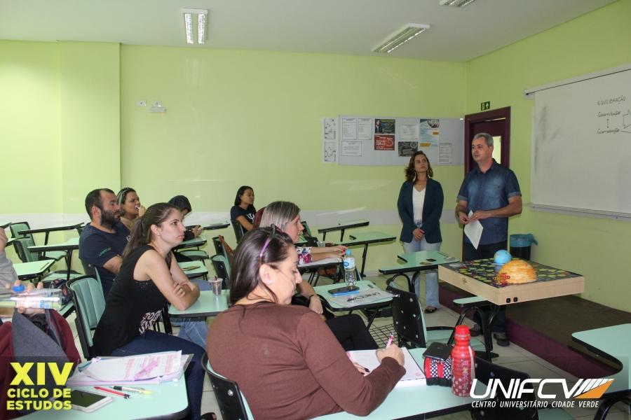 Ciclo de estudos promove apresentação de artigos científicos