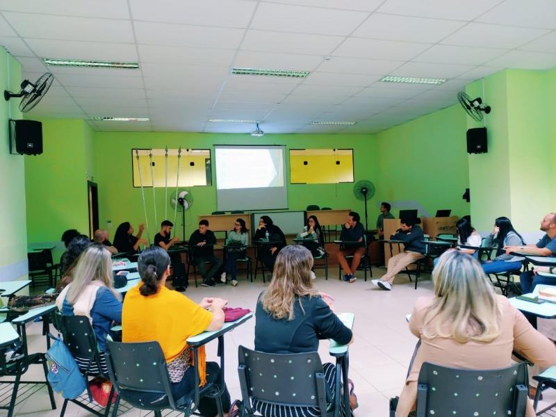 Roda de conversa interdisciplinar tem como convidada a professora premiada Maria Angelita Silva