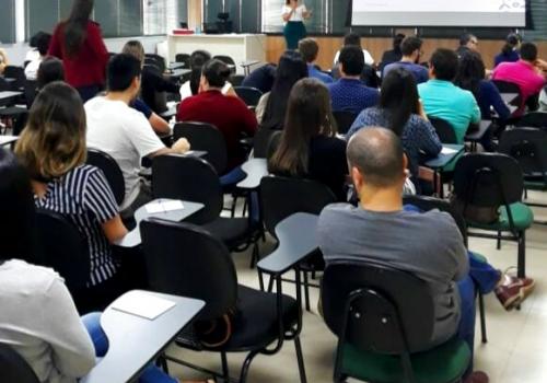 UNIFCV realiza seminários de gestão contábil e empresarial em Maringá
