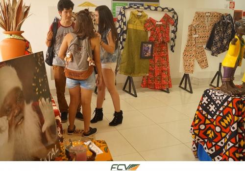 Exposição de tecidos africanos é aberta e fica na FCV até o dia 30