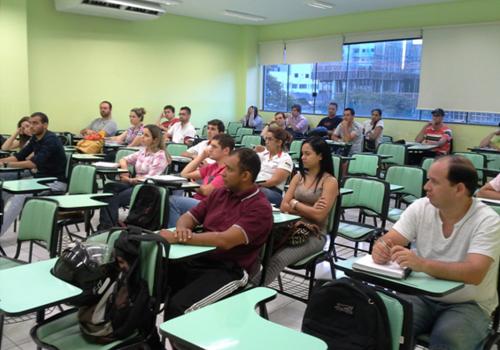 Curso de Logística do PRONATEC participa de palestra sobre processo de recrutamento