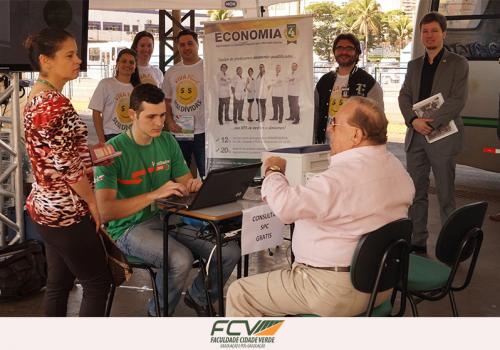 FCV leva alunos para evento no Terminal Urbano
