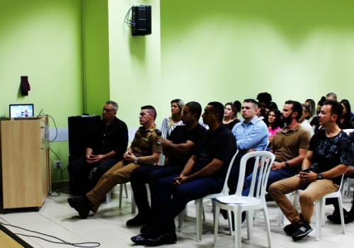 Palestra sobre pós de Direito Militar tem como palestrante o corregedor do Tribunal de Justiça na UNIFCV
