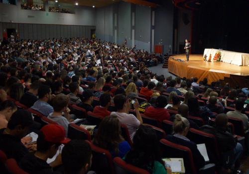 Fabiano Brum palestra na primeira noite do XI Ciclo de Estudos