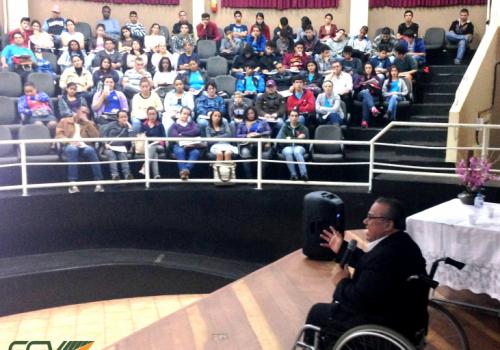 FCV e Colégio E. Antonio Francisco Lisboa: uma parceria em prol dos alunos