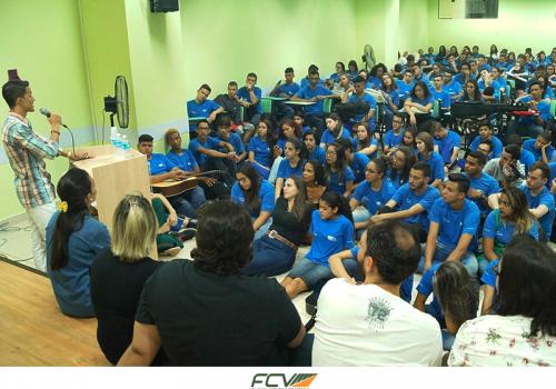 CIEE reúne aprendizes na FCV para comemorar Dia do Jovem Trabalhador