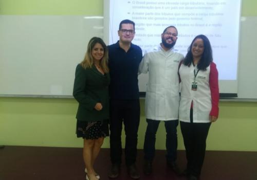 Investimento no Brasil e a influência da política fiscal no crescimento econômico são temas de destaque em TCC's