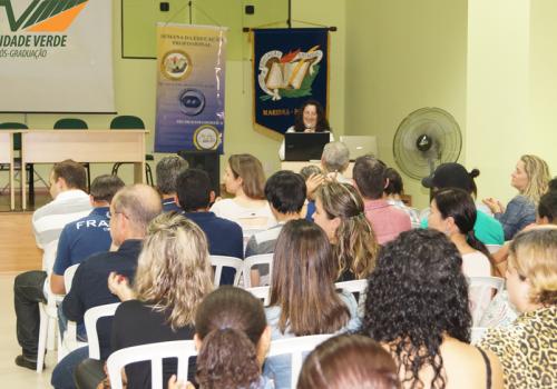 FCV sedia encontro do Instituto da Educação