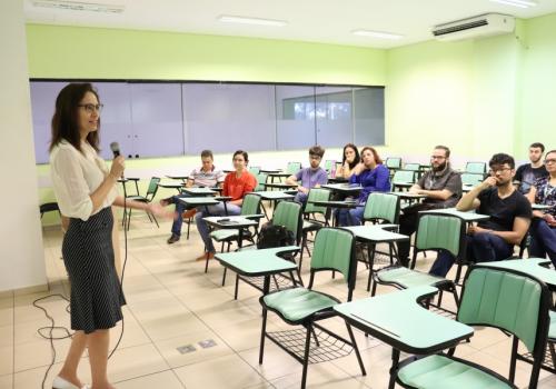 UniFCV realiza encontro para alunos da iniciação científica