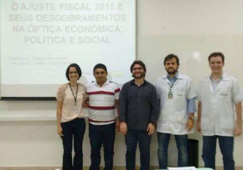 Economia: Começam apresentações de TCC