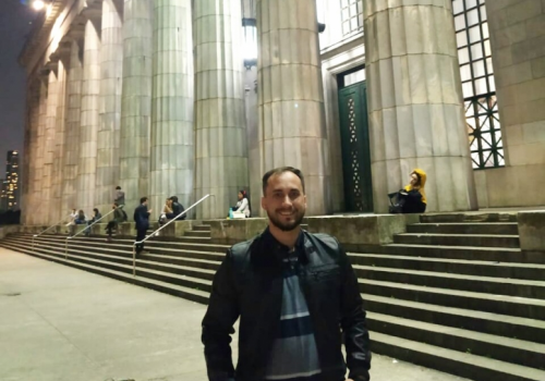 Aluno da UniFCV marca presença em Jornada sobre Direito administrativo e migratório em Buenos Aires