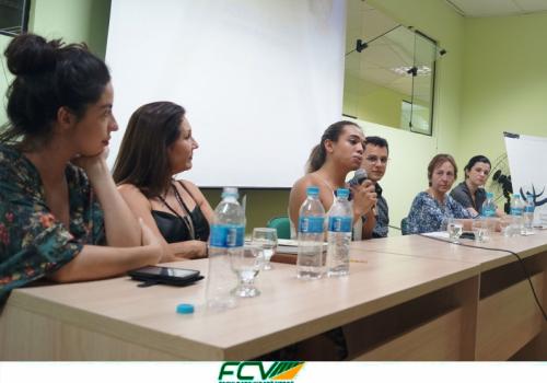 Mesa redonda atrai mulheres para discutir vicissitudes