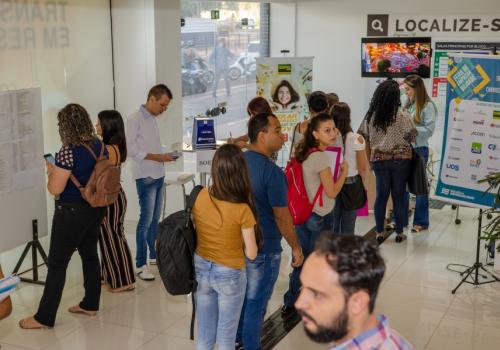 4 mil pessoas passaram pela III Feira de Empregabilidade da UNIFCV