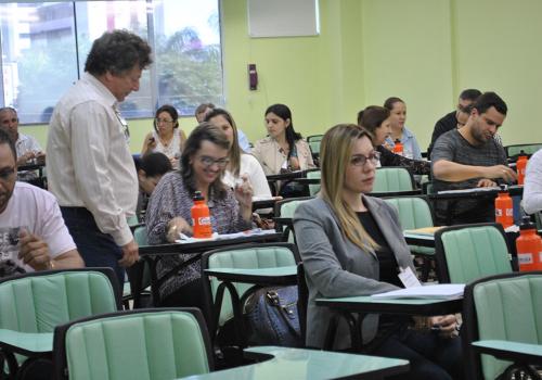 FCV sedia curso da Unipública
