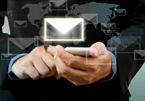 O teor de um e-mail pode construir ou (des)construir a sua imagem profissional.