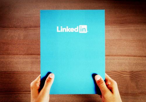 @prenda como se diferenciar entre os mais de 300 milhões de usuários da rede LinkedIn.