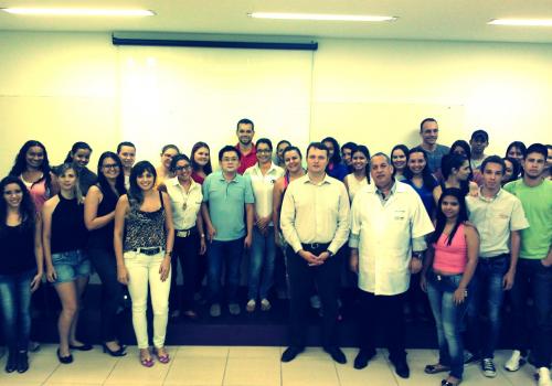 Acadêmicos de Administração participam de palestra sobre planejamento estratégico para micros e pequenas empresas