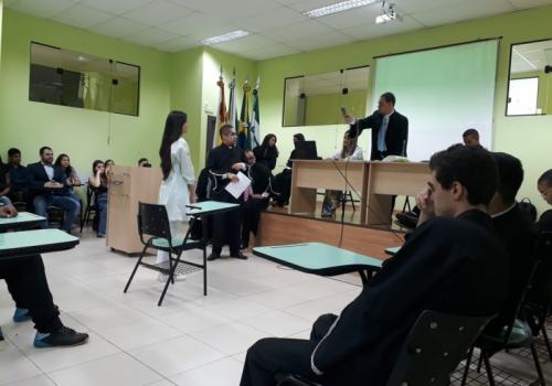 Alunos de Direito da UNIFCV realizam Júri Simulado