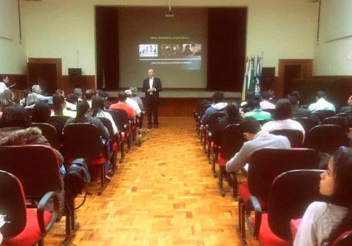 FCV na Escola: novo encontro abordou o empreendedorismo