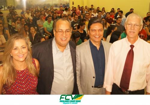 150 novos alunos iniciam hoje programa de pós-graduação da FCV