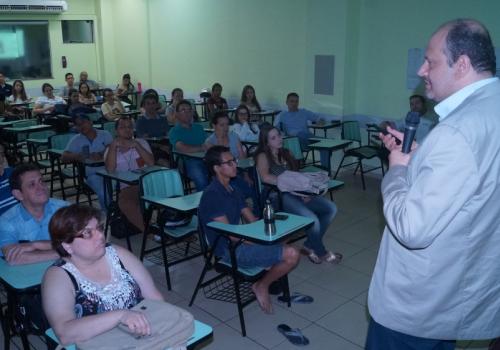 Palestras reúnem alunos de Administração