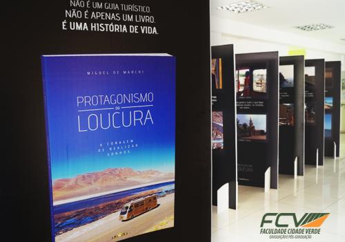 FCV recebe exposição fotográfica de maringaense que viajou pelo mundo