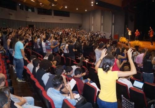 Palestra show encerra Ciclo de Estudos