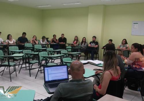Grupo de Estudos Schmittianos é realizado na FCV