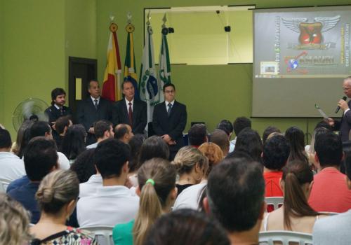 Mais de trezentas pessoas participam da aula inaugural da Pós na FCV